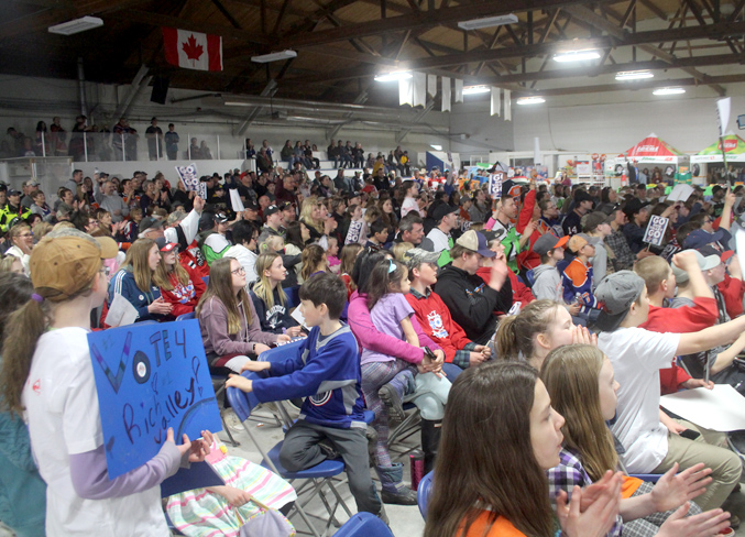 Hundreds of people crowded into the Rich Valley Agriplex on March 30 to watch the announcement of the winner of the Kraft Hockeyville contest, who would receive $250,000 and the opportunity to host an NHL pre-season game. Sadly, Rich Valley did not win, but they do get a runner-up prize of $25,000 in cash and $10,000 in hockey gear.